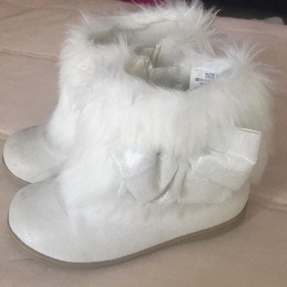 Gymboree Shoes | Toddler White Fur